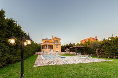 Villa Vendita - SARLATA, COMUNE DI LIVATHOS - SUDOVEST